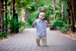 baby-learning-to-walk-milestone-photography-session-denver-photographer